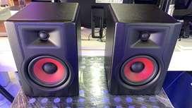 """Monitores de studio de 5"""" profesional marca: M-audio referencia Bx5 ultima generacion"""