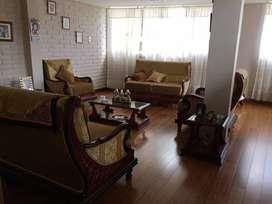 Ibarra, La Quinta, vendo casa con 4 departamentos