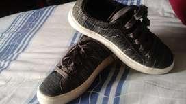 Vendo Zapatos para Niño Nuevos Talla 33