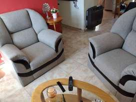 2 SILLONES INDIVIDUALES GRISES