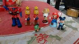 Juguetes de tres Mario bros y otros