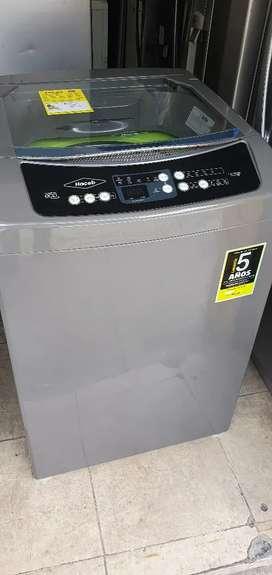 Vendo lavadora haceb de 29 libras