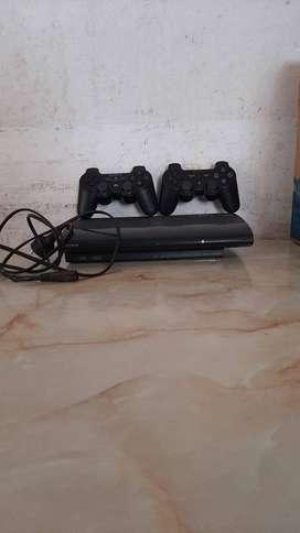 Playstation 3 super slim con 500 gb. 1 año de poco uso
