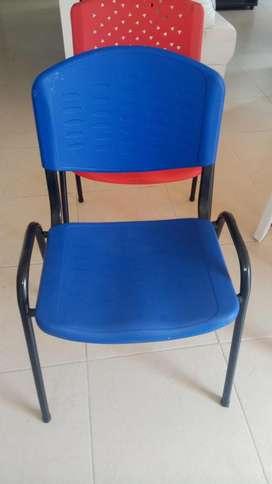 Vendo-silla plástica para oficina