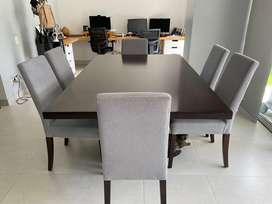 Comedor de 6 puestos con 6 sillas