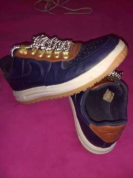 vendo en buen estado zapatillas Nike nro 42