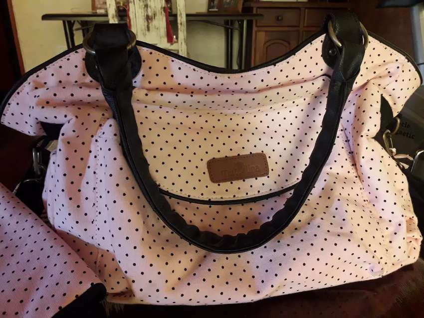 Vendo bolso maternal impecable con cambiador 0