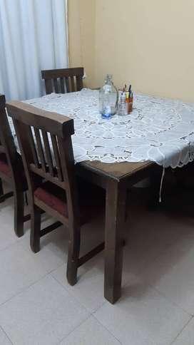 mesa de pino con 8 sillas