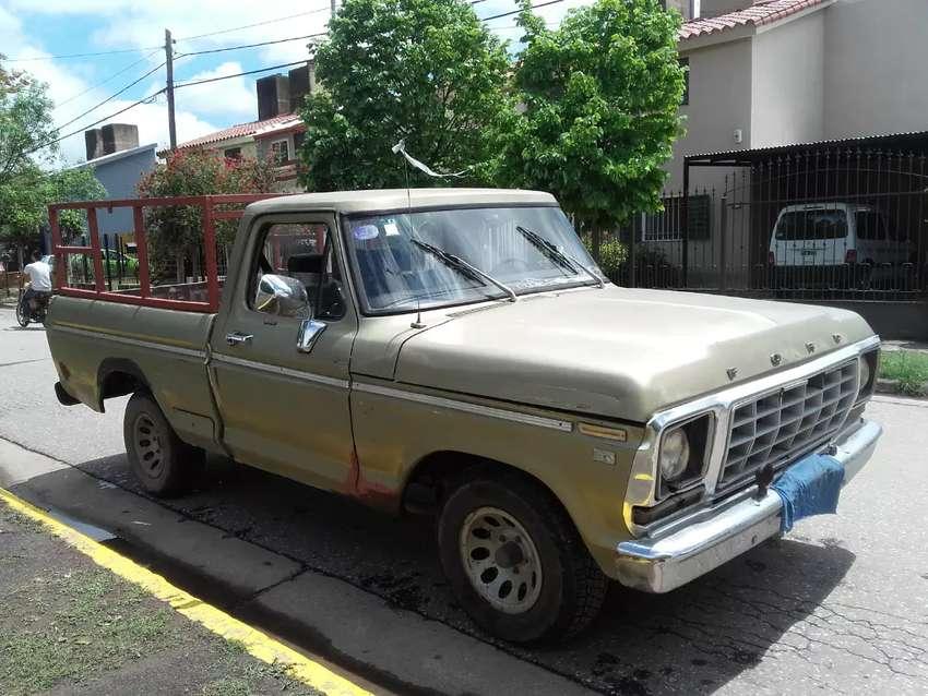 Vendo camioneta Ford 100 motor 221con GNC 1980  $ 380.000 precio negociable