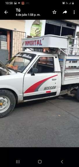 vendo camioneta NISSAN motivo de viaje