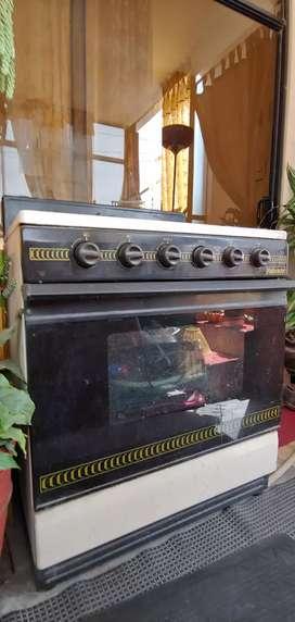 Cocina de 4 hornillas horno y parrilla