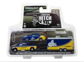 Greenlight Racing Hitch & Tow 2017 Ram 2500 Y 2017 Dodge