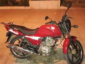Linda moto Honda
