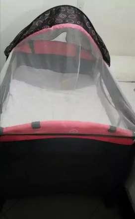 Corral, cuna para bebé niña +colchón PRIORI