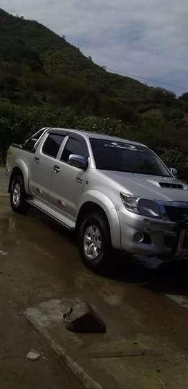 Camioneta pikac Toyota hilux 2012