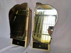 botiquin de madera con espejo  en dos partes  55cm x 20cm x 14cm con estantes de vidrio