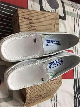 Zapatos de enfermería-Mocasines color blanco talla 35