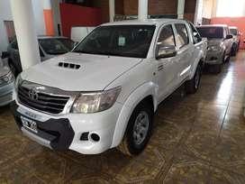 Toyota Hilux Doble SR 4x4