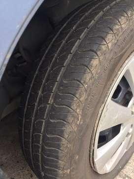 Hermoso ford festiva seguro hasta noviembre
