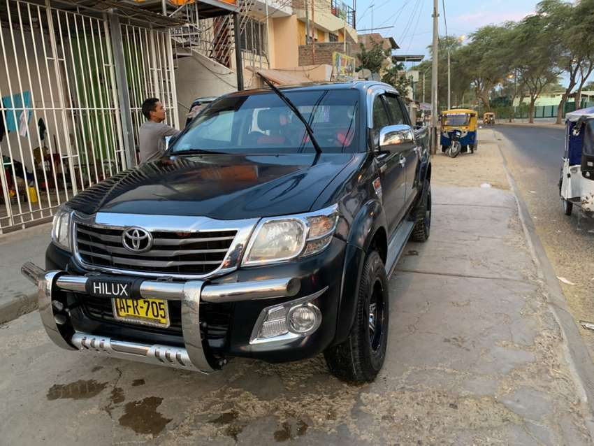 Vendo Toyota HILUX 0