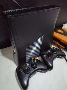 Xbox 360 5.0 4gb aceptó cambios 20 juegos