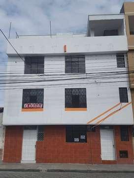 Casa de 4 pisos independiente