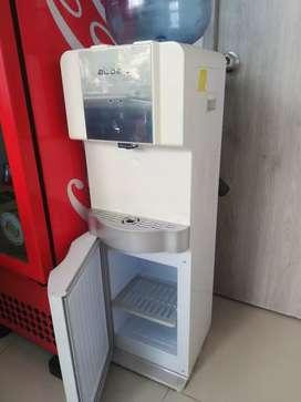 Dispensador de agua marca abba