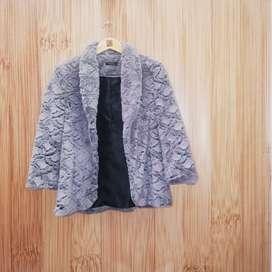 Chaqueta de peluche gris abrigo tela importada, peluche formal para mujer talla 10