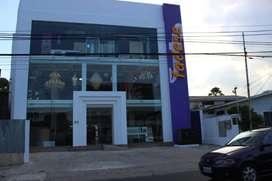 Edificio en venta uso de suelo comercial Urdesa central