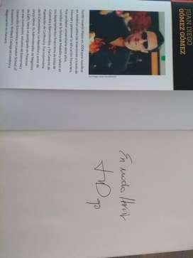 Hábitos de ricos autografiado por  Juan Diego Gómez