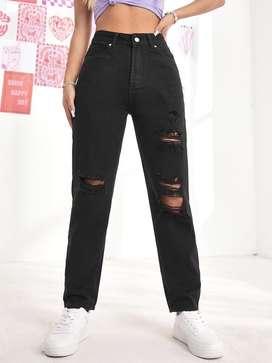 Mom jean negro tiro alto talla 8