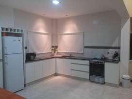 es61 - Casa para 4 a 8 personas con cochera en Termas De Rio Hondo