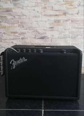 Amplificador de guitarra Mustang Gt40