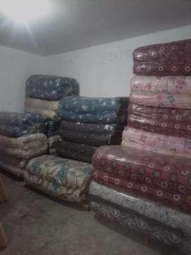Colchones de algodón y almohadas espuma