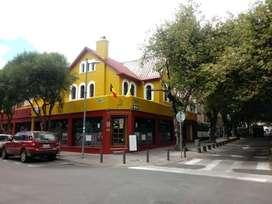 Venta de casa rentera con locales comerciales sector plaza fosch.