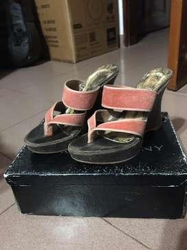 Zapatos coral Ricky Sarkany usados