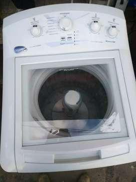 Lavadora tapa cristal 26 lb