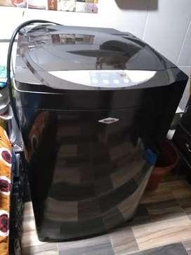 Lavadora negra 25 libras