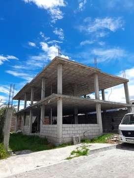 VENDO HERMOSO TERRENO CON CASA EN CONSTRUCCIÓN  CONOCOTO