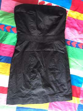 Vestido strapless corto