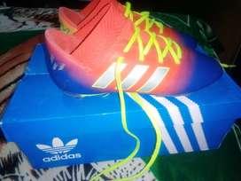Vendo botines Adidas