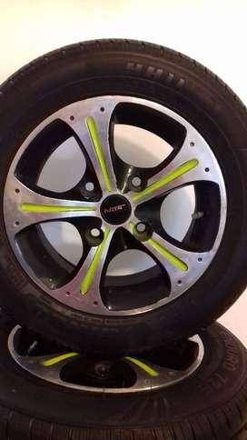Rines de lujo, en aluminio, Full estado, Llantas nuevas (4 unidades)  Ref: 165/65/R13