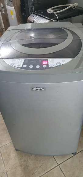 Vendo lavadora haceb de 26 libras