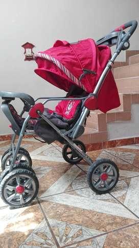 Coche bebe plegable color rojo excelente estado marca Priori