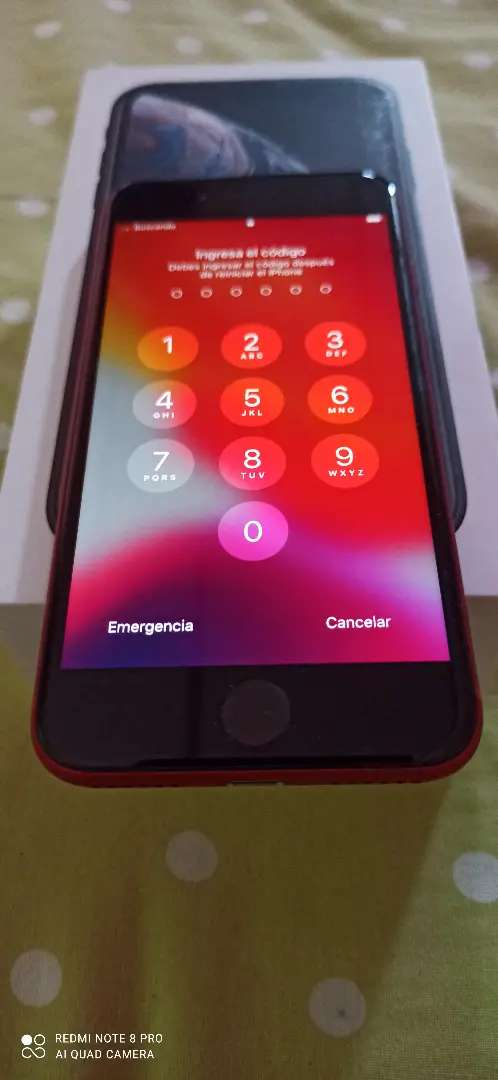 iPhone 8 de 64gb versión red 0