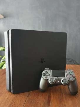 PS4 Slim 1TB + Dualshock + 2 Juegos