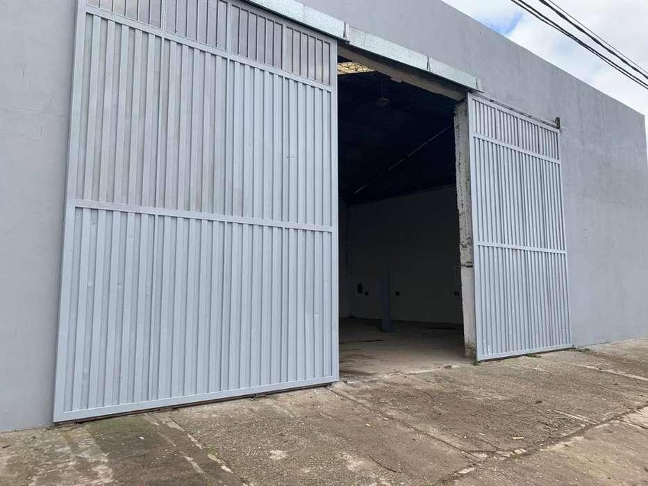 venta de galpón zona industrial de 300 m2 m2