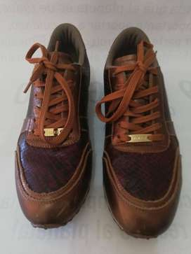 Zapatos deportivos femeninos marca Vélez en cuero