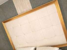 remate de espejos y espaldares y mesa cada uno a 600.000