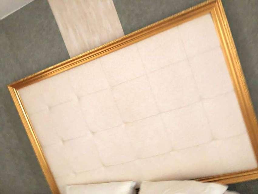 remate de espejos y espaldares y mesa cada uno a 600.000 0
